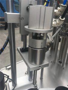Machine de remplissage de tube cosmétique d'étanchéité par ultrasons